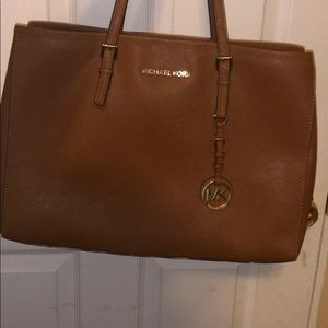 AUTHENTIC lightly used michael kors tote